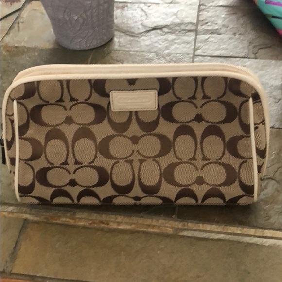 Coach Handbags - Coach make up case